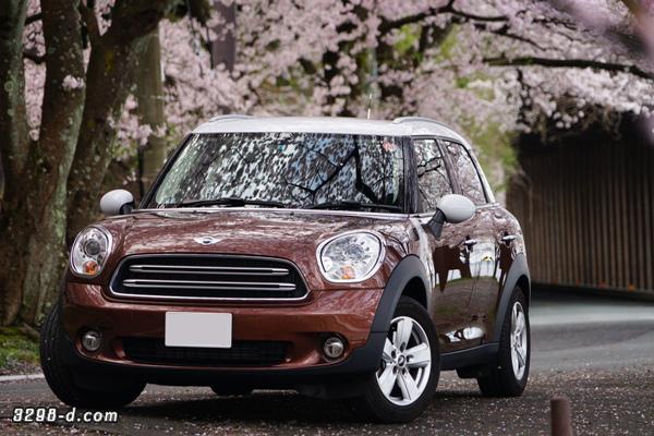MINIクロスオーバーと桜ドライブ