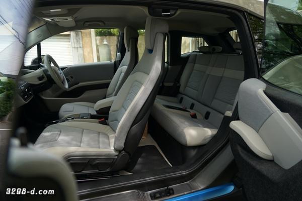 BMW i3 観音開き
